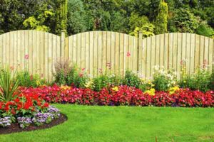 Garden Fence Decorations – Make Your Borders Glamourous!